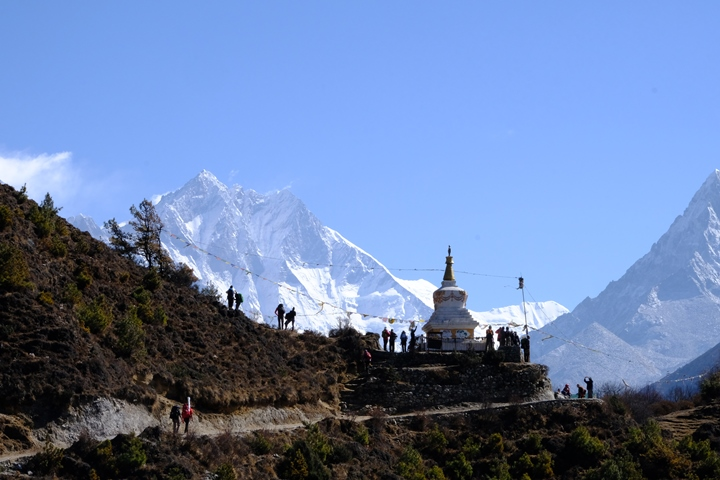 The view on the trail to Thyangboche