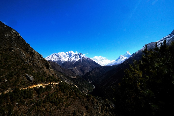 Trail from Pangboche to Dingboche blog size
