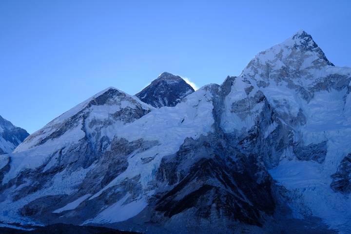 Kala Patar view of Everest dawn blog size